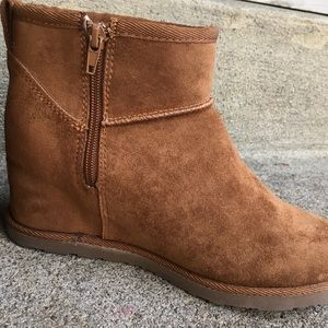 Dunes Hidden Wedge Shearling Ankle Boot Ugg 8